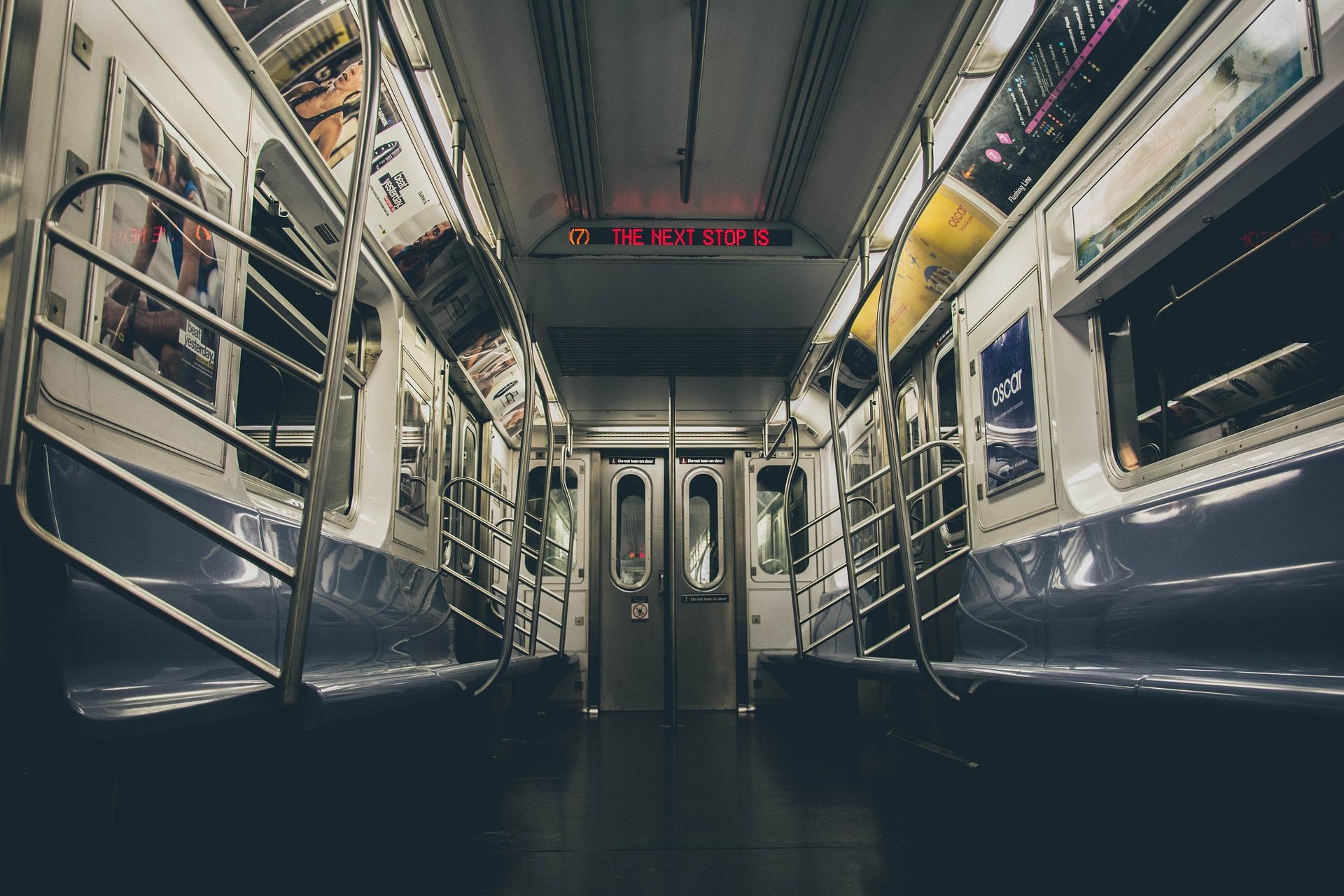 Lire dans les transports : une arme redoutable
